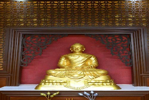 Phra Buddha Bang Lamphu Prajanath:  the Indian-styled Buddha Image in Bang Lamphu Community